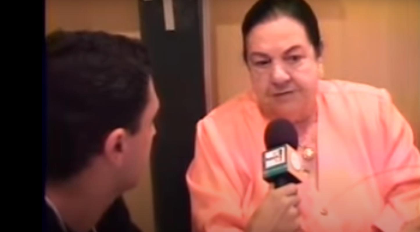 Mãe Dinah em entrevista